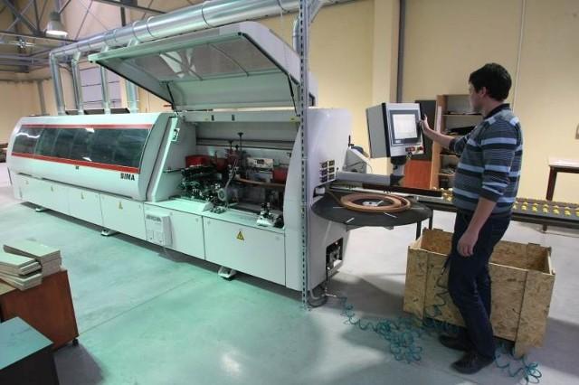 Cały proces produkcji na nowoczesnych maszynach uruchamia się wybierając odpowiedni program.
