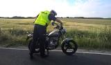 """Wypadek w Laskowicach. 19-letni motocyklista nie miał """"prawka"""" [zdjęcia]"""