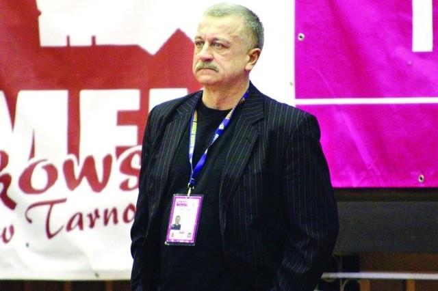 Po dwóch latach pracy z tarnobrzeską drużyną trener Dariusz Szczubiał zmienia środowisko.
