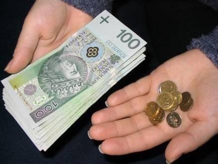 Pracownicy świętokrzyskich firm zarabiają brutto średnio jedynie 3238,76 złotych i co plasuje ich zaledwie na 12 miejscu na mapie krajowych płac.
