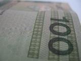 Kredyt to nie to samo, co pożyczka. Co się bardziej opłaca?