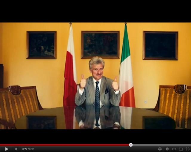 Prezydent Ryszard Grobelny przypominał w poniedziałek EURO 2012, a wcześniej chwalił Poznań w spocie promocyjnym.