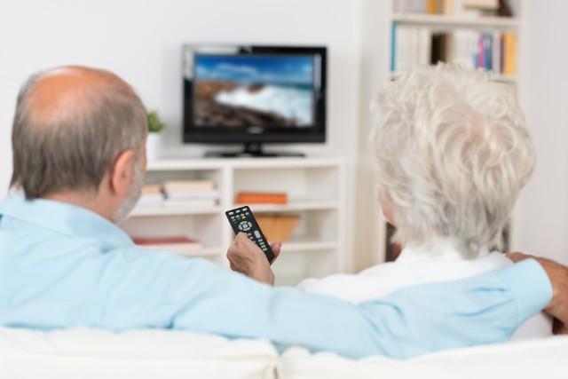 Nadal opłat nie muszą wnosić m.in. osoby po 75. roku życia.