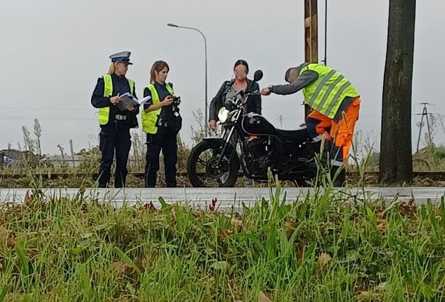 Zderzenie motocykla z samochodem osobowym na ul. Kosmonautów 17.09.2021