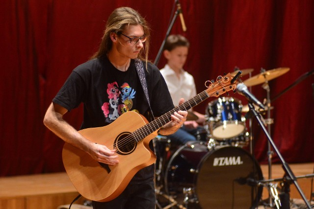 Koncert uczniów i absolwentów II Liceum Ogólnokształcącego imienia Marii Konopnickiej w Radomiu.