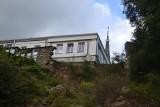 Osuwisko w Grybowie. Zabytkowy dwór Hoschów stoi nad przepaścią. Potrzeba 5–7 mln zł na jego uratowanie [ZDJĘCIA]