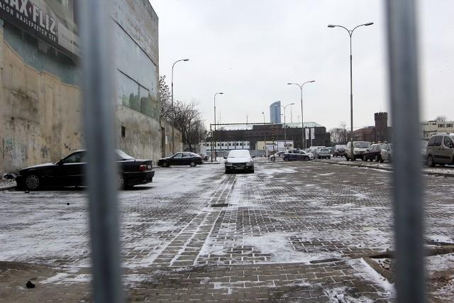Wjazdu na dotychczasowy bezpłatny parking przy ul. Zamkowej pilnuje patrol straży miejskiej