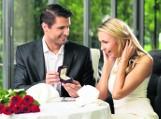 Brylantowy pierścionek - idealny zarówno na zaręczyny, jak i 25. rocznicę ślubu
