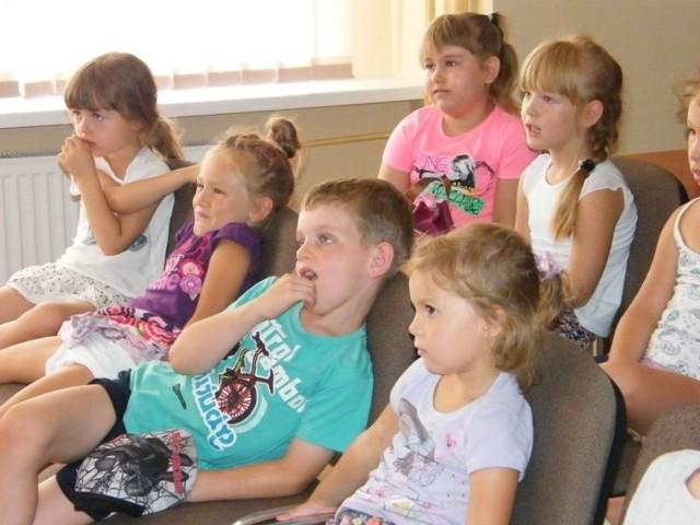 Biblioteka od lat promuje dostep do legalnej kultury, m.in. poprzez filmowe seanse dla dzieci oraz plenerowe kino