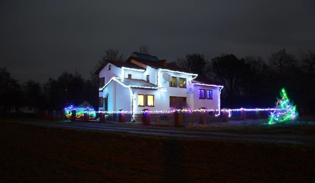 Tak świetlenie domu w Brzezinach wyglądało w ubiegłym roku