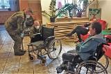 Koronawirus Opolskie. Żołnierze 10. Opolskiej Brygady Logistycznej pomagają w domach pomocy społecznej i ZOL-ach