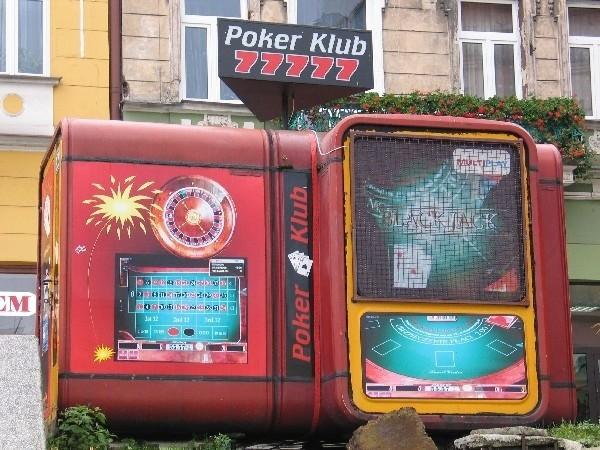 W Przemyślu od wielu lat działają lokale z automatami do gier.