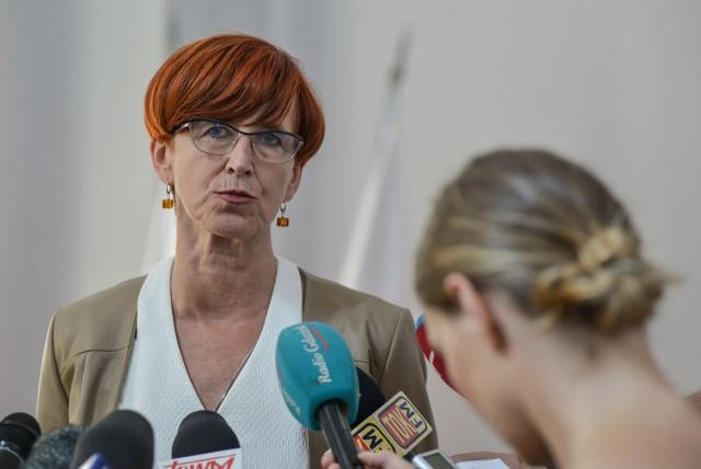 Elżbieta Rafalska, minister pracy zapowiedziała, że część rekomendacji zostanie przyjęta, część nie
