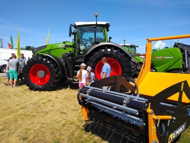 Targi rolnicze to okazja, by zobaczyć część maszyn podczas pracy - organizowane są pokazy na polach pokazowych. Zdjęcie ilustracyjne