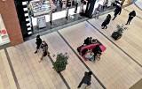 Kazar z Przemyśla nie zamyka wszystkich swoich sklepów w galeriach handlowych. Firma dementuje prasowe pogłoski