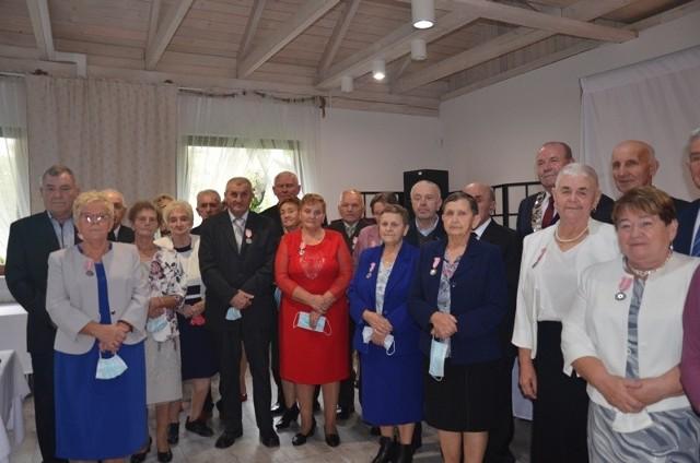 50 lat razem, czyli Złote Gody 22 małżeństw z gminy Oksa.