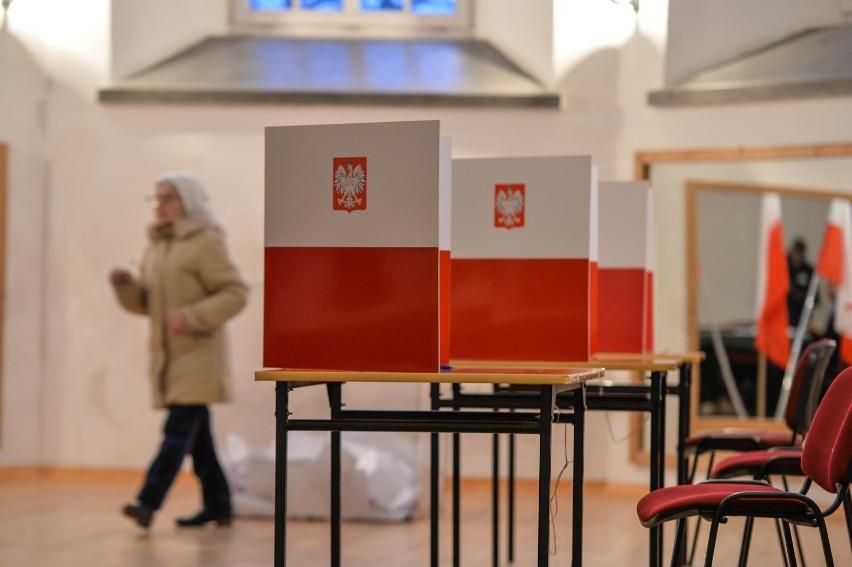 Zakończyły się wybory uzupełniające na prezydenta Gdańska....