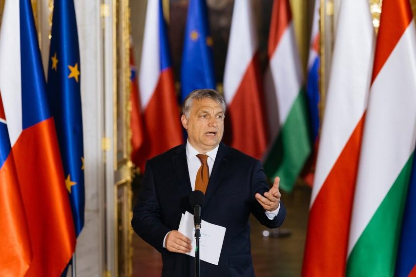 Rodzina i przyjaciele Orbana dorobili się głównie na pieniądzach z UE