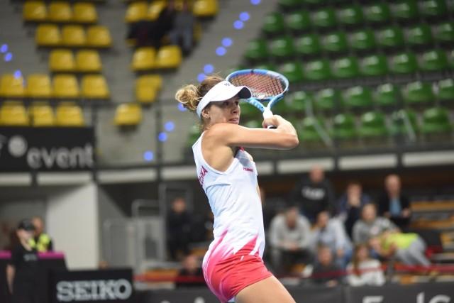 Magda Linette (AZS Poznań) ze względu na udział w turnieju WTA w Charleston zrezygnowała z występu w reprezentacji w meczu z Brazylią