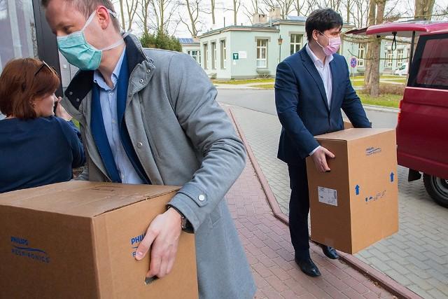 Respiratory otrzymał szpital im. Biegańskiego w Łodzi, sprzęt ochronny także 39 innych ośrodków zdrowia w regionie łódzkim.