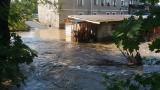 Dolny Śląsk: Domy i gospodarstwa zalane po burzach (ZDJĘCIA, OSTRZEŻENIE)