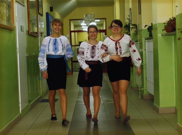 Szkołę powołano do życia w 1957 roku w Złotoryi. W 1960 przeniesiono ją do Legnicy. Od września do liceum dołączy podstawówka