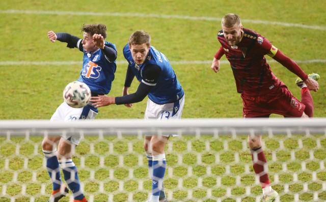 Tomasz Dejewski wystąpił dwóch spotkaniach z Benfiką w Lidze Europy, z którą zagrał 180 minut. To były jedyne jego mecze w europejskich pucharach, ale za to jakie.