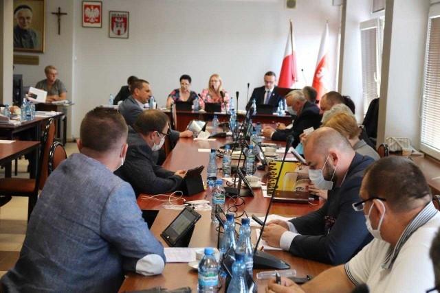 Łódzki Urząd Wojewódzki ma wątpliwości do braku wotum zaufania dla prezydenta Sieradza