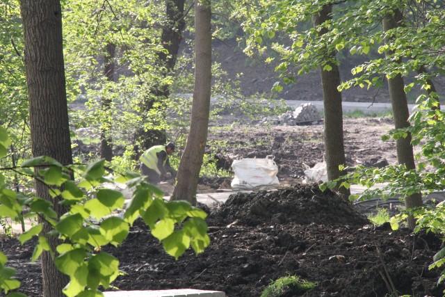 Park Krakowska powstaje w rejonie ul. Krakowskiej i al. Kołłątaja.Zobacz kolejne zdjęcia. Przesuwaj zdjęcia w prawo - naciśnij strzałkę lub przycisk NASTĘPNE