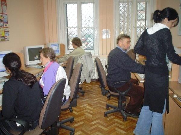 W Brodnickim Centrum Informacji codziennie odbywają się  zajęcia z zakresu obsługi komputera.