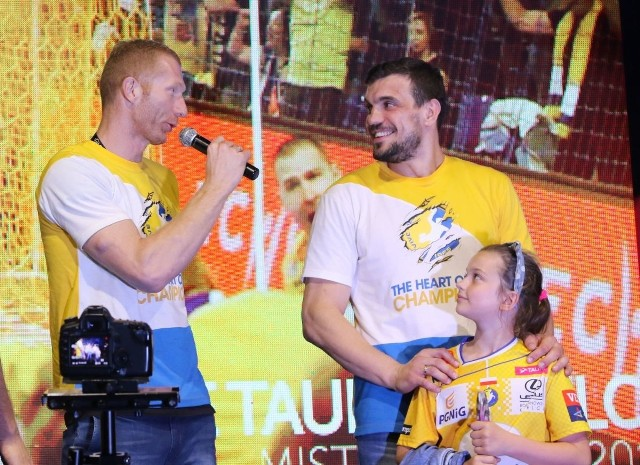 W pikniku z piłką ręczną weźmie udział między innymi król strzelców olimpijskiego turnieju w Rio de Janeiro, Karol Bielecki (z lewej, z prawej Michał Jurecki).