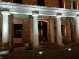 Uwaga na duchy. Nocą pałac w Zatoniu wygląda jak z bajki lub z horroru [ZDJĘCIA]