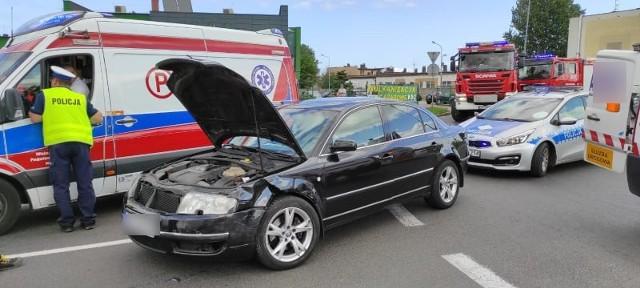 W środę około południa na rondzie przy ulicy Syrenki w Koszalinie doszło do zderzenia dwóch pojazdów.