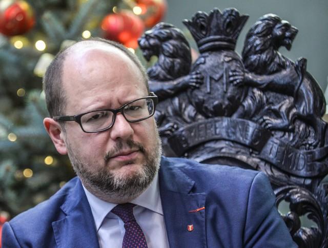 Paweł Adamowicz był prezydentem Gdańska w latach 1998-2019. Zmarł 14 stycznia 2019 r. wskutek zamachu przeprowadzonego na jego życie dzień wcześniej.