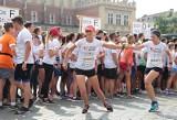 Poland Business Run 2021. Trwają zapisy na udział w biegu. Komu pomogą krakowscy biegacze?