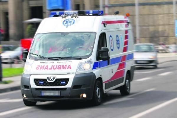 Z powodu rosnącej liczby ciężkich przypadków COVID-19 potrzeba coraz więcej karetek pogotowia ratunkowego