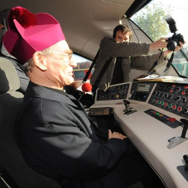 Tuż przed odjazdem pociągu do Wadowic za jego sterami usiadł arcybiskup Nossol.