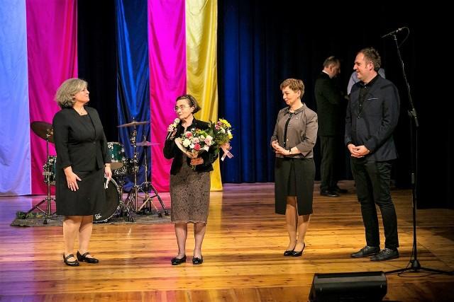 Gratulacje pani Zgorzelskiej złożyli konsul Birgit Fisel-Rösle (z lewej), Zuzanna Donath-Kasiura oraz Sebastian Gerstenberg.