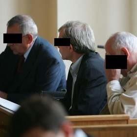 Na zdjęciu od lewej: gen. Mieczysław K. (pierwszy z lewej), Andrzej Ł. oraz Jerzy B.