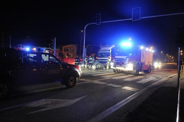 Do tragicznego wypadku doszło w piątek przed północą przy ulicy Jastrzębskiej w Lipnie.