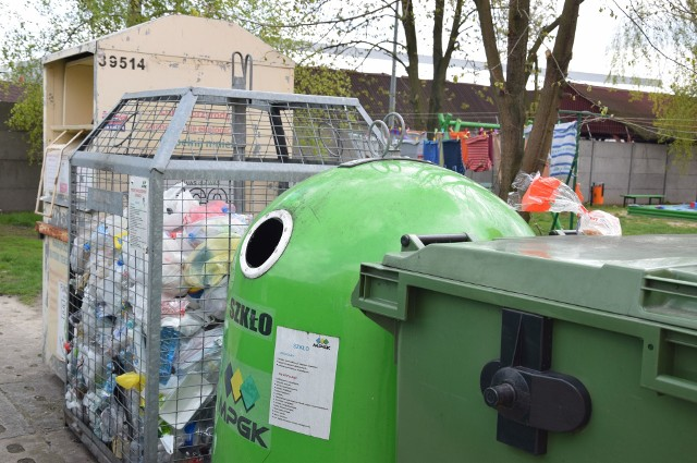Jarosław Ciesielski przyznaje, że w Mogilnie, tak jak w innych miastach, jest tzw. szara strefa ludzi, która nie uiszcza opłaty śmieciowej. To kilka procent w całym systemie