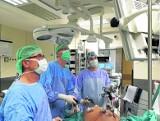 Od 30 marca zostaną całkowicie wstrzymane niektóre operacje. Na jaki zabieg nie mamy szans?