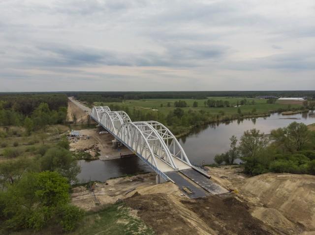 Prawie zakończona już budowa mostu na Pilicy w Warce.