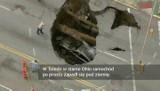 Samochód zapadł się pod ziemię (wideo)