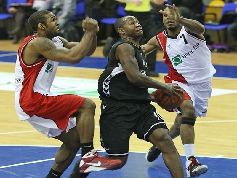 W meczu pre play off koszykarskiej ekstraklasy, Basket Kwidzyn pokonal Czarnych Slupsk 89:70.