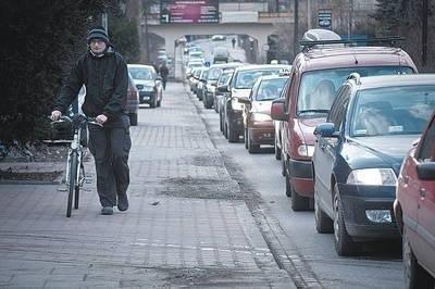 Ulica Żmujdzka w popołudniowych godzinach szczytu Fot. Kamila Zarembska