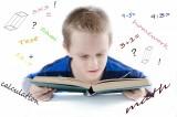 Dzieci urodzone w 2009 roku mają w szkole przechlapane. MEN nie zamierza im pomóc