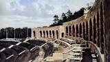 Trybuny zabytkowego stadionu w Słubicach przypominają operę lub teatr. Sprawdź, jak wyglądały kiedyś!