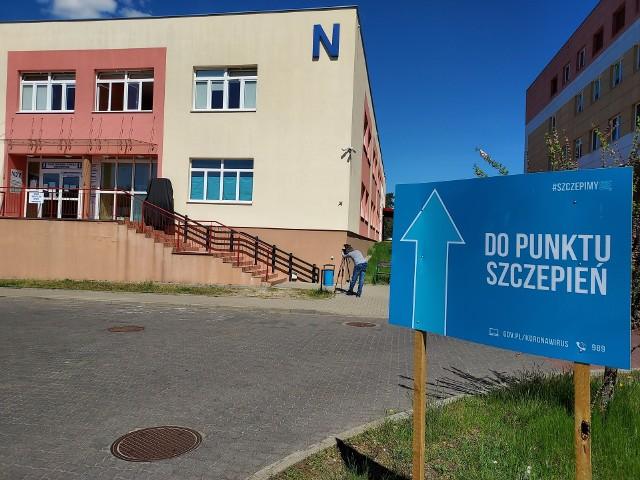 """Szczepienia w szpitalu w Grudziądzu odbywają się w budynku """"N"""" w dni powszednie w godz. 8-13."""