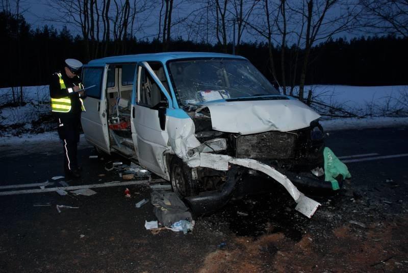 Poważny wypadek busa koło Kościerzyny